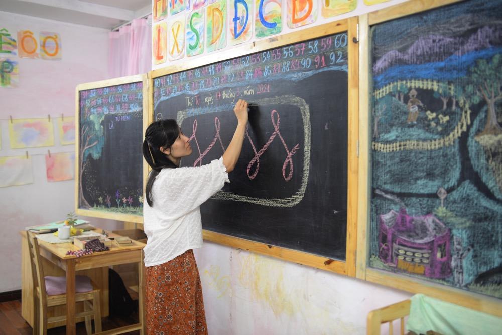 Môn vẽ nét tại Lớp tiền tiểu học theo phương pháp giáo dục Steiner